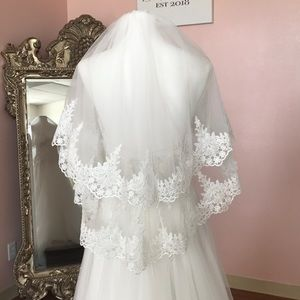 Two Tier Veil with Lace
